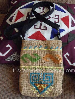 My Fancywork Blog: Маленькая сумочка с длинной ручкой вышитая крестом...