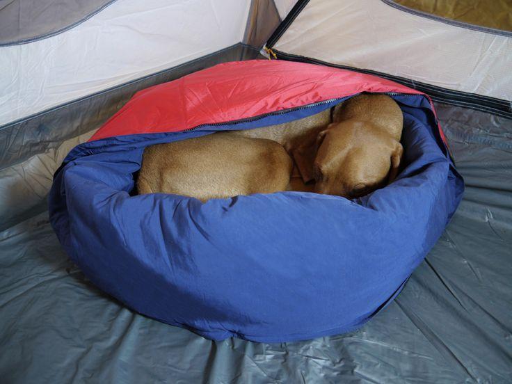 NobleCamper: dog bed/sleeping bag for camping/backpacking trips