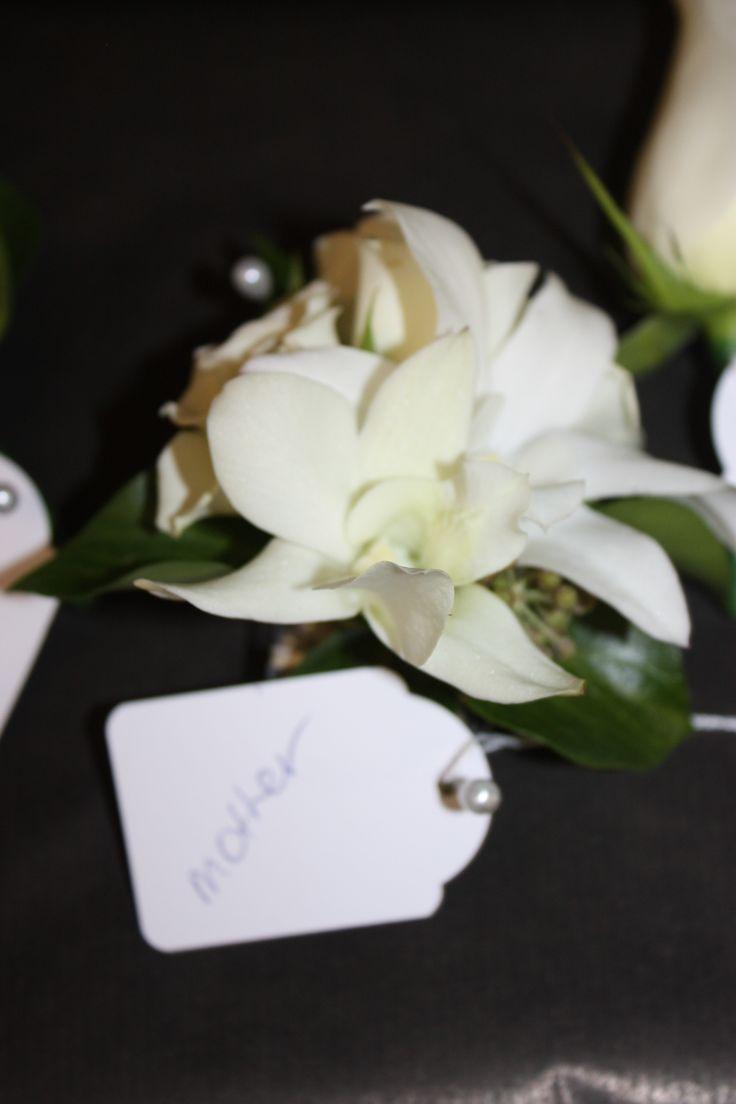 #Wedding #Corsage #Styling #weddingbouquets #bridebouquet #floralarrangements #flowerarrangements #flowerdesigns #floraldesigns http://www.decorit.com.au (6)