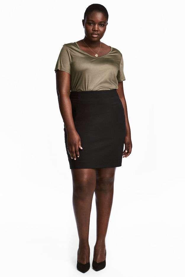 Looks curvy de Nochevieja - Look curvy Nochevieja con falda y camiseta HYM 2ece9b05f415