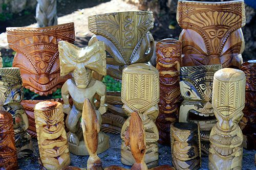 Tongan Culture | selection of carvings for sale from Tonga.