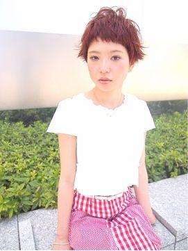 ■ Joule hair ■ 一見、手の出しにくそうなスタイルですが、バングのライン感など顔型や骨格に合わせて微調整することでどんな方にもぴったりきます。そして柔らかいピンパーマでナチュラルなくせ毛な印象に。 http://beauty.hotpepper.jp/slnH000268109/