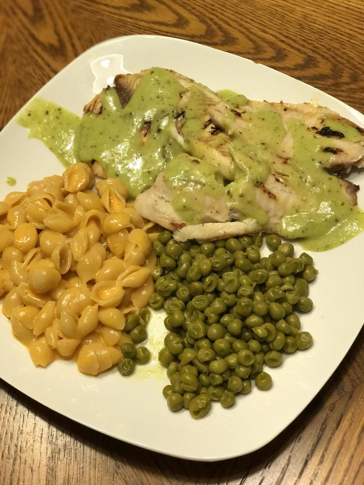 [Homemade] Tilapia topped with herdez guacamole salsa Velveeta shells and cheese with sriracha brown sugar and soy and sweet peas. http://ift.tt/2ntrLoW #TimBeta