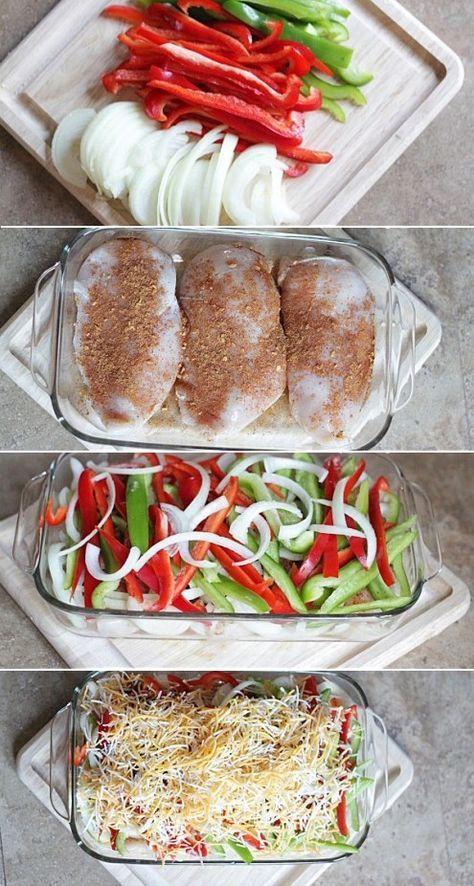 Pechugas de pollo, condimento para tacos, pimientos verdes, amarillos y rojos, cebolla roja, aceite de oliva y queso Cheddar.