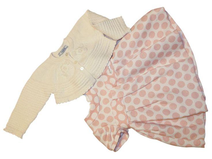 #SALDI #Nidodigrazia #Abbigliamento #Bambini!!! L'elegante completo abito da bambina Mayoral a pois con coprispalle è in saldo! Con il 30% di sconto lo puoi acquistare a 44,80 euro anziché 64,00. Vieni a trovarci in negozio a Busto Arsizio per i Saldi sull'abbigliamento Bambini!