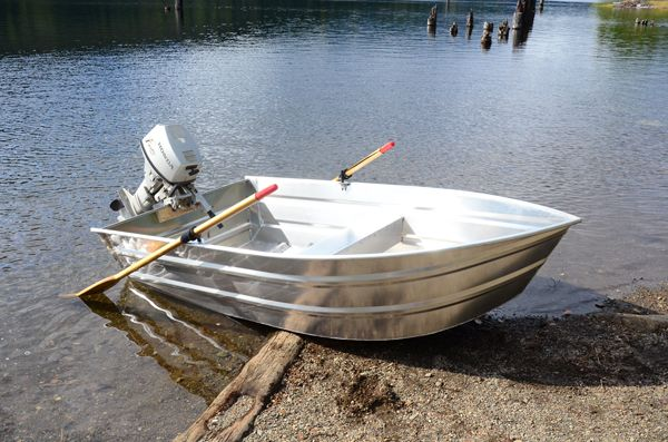 Wolf Aluminum Boats - Pioneer Craft 9ft to 11ft punts ...