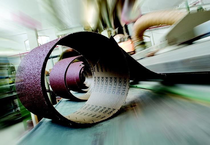 www.consiglioabrasivi.com vi da il benvenuto! produttore di nastri abrasivi, ruote lamellari, ruote lamellari con perno fogli e rotoli abrasivi da più di 70 anni!!!