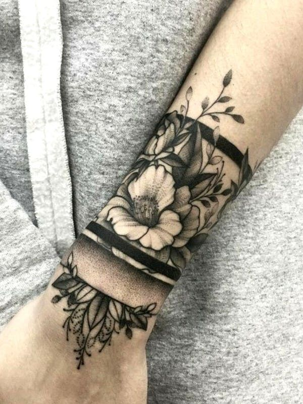 076ce3694 Ornamental wrist piece with flowers. #wrist #ornamental #decorative #flowers  #blackandgrey #blackwork #dotwork