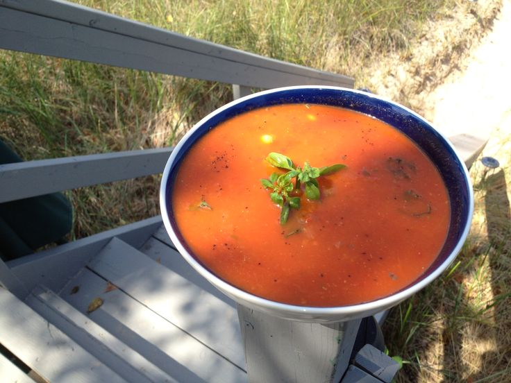 Roasted Red Pepper Soup With Chickpeas