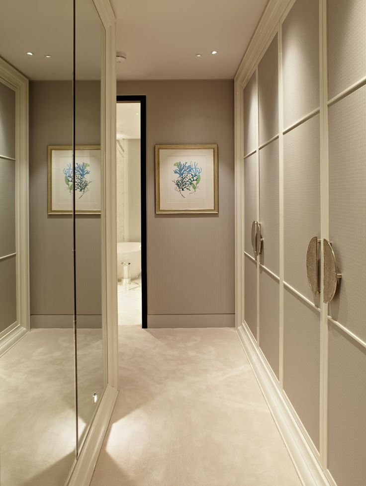 Wardrobe Doors Taylor Howes, handles  Is this a double up corridor, could be either side of bedroom entrance