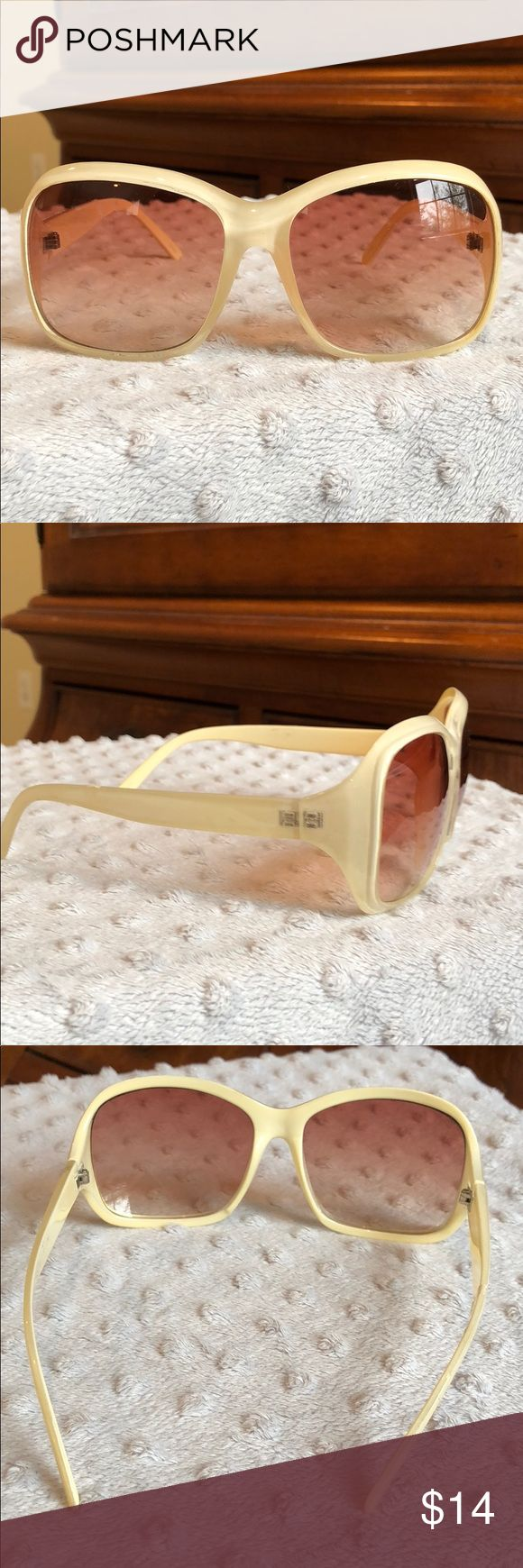 Ivory color novelty sunglasses 👗Good condition, very light scratches Accessories Sunglasses