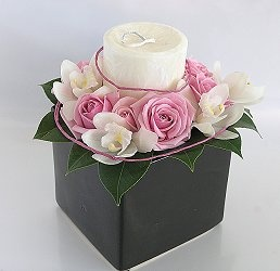 Google Image Result for http://www.nzflower.co.nz/images/flower_arrangement_candle_luxury_pinks_med.jpg