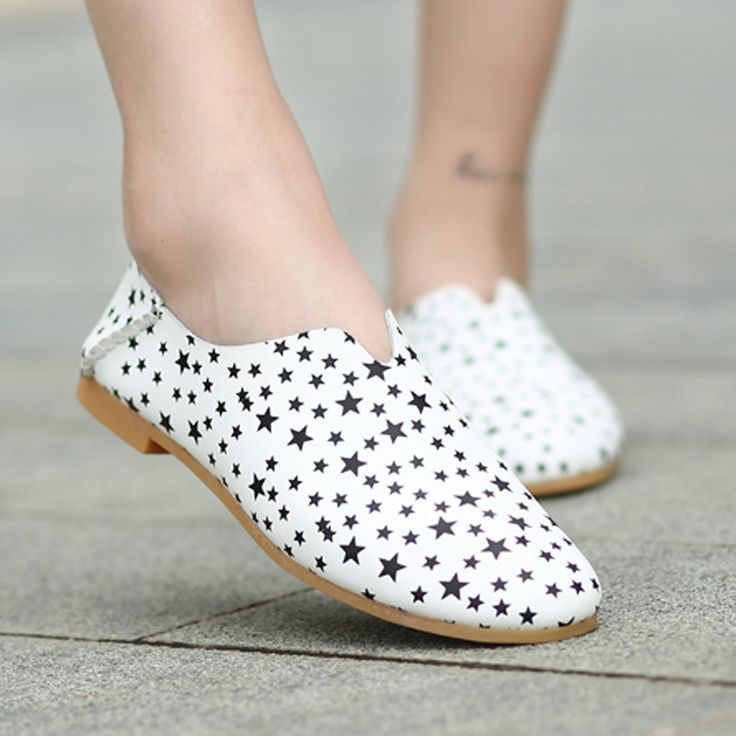 Slip On Women Flat Shoes Fashion Loafers Damenschuhe Popular Chaussure Femme Mocasines Mujer Size 35 to 40 Black White