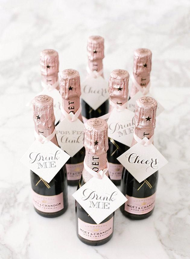 Your guests will obsess over these mini-champagne wedding…