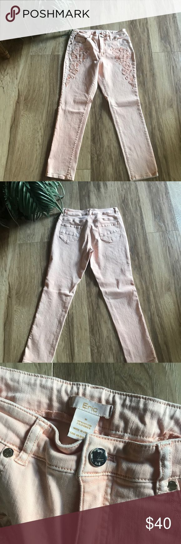 Price drop 😀 Super cute Eric jeans.💋 From boutique - Peach, skinny jeans with flower embroidery on both sides! Only worn one time, 26 inch inseam.🌹 Eric Jeans Skinny