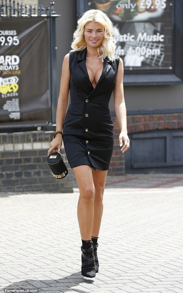 TOWIE's Chloe Sims goes makeup free - Celebrity Fashion Trends