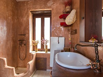 Rethymno villa rental - Towels and shampoo are provided...all you have to do is enter the shower!