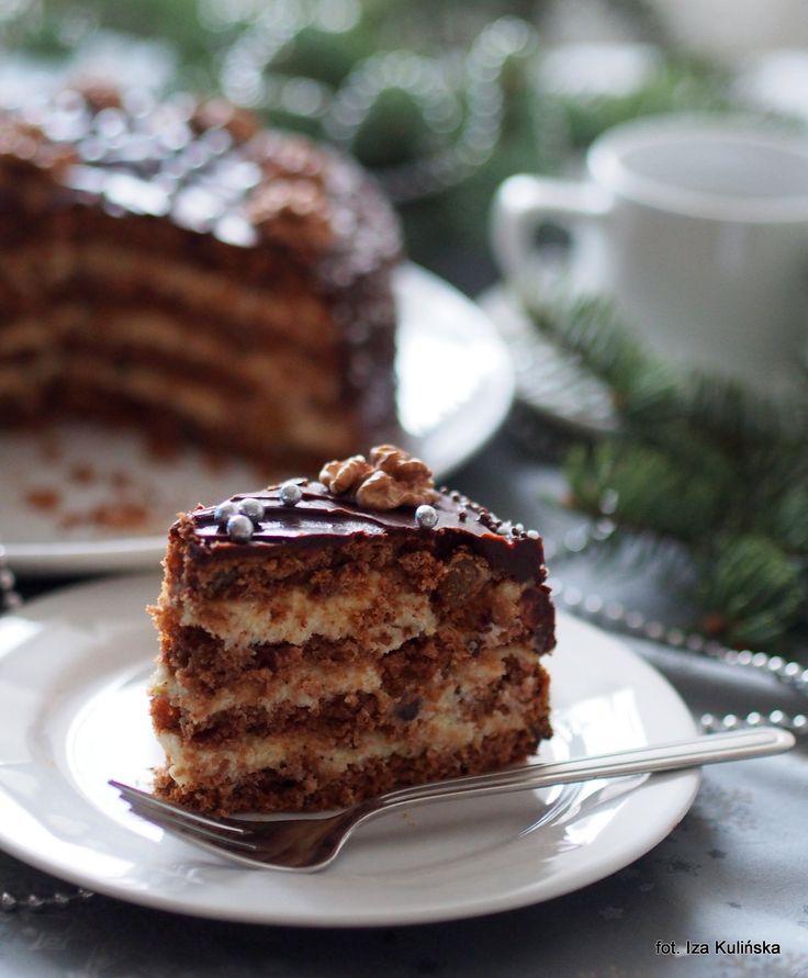 Smaczna Pyza: Torcik piernikowy z kremem grysikowym i czekoladą
