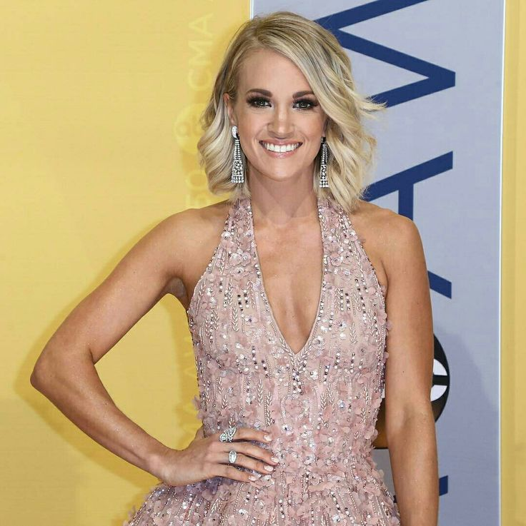 Carrie Underwood♢