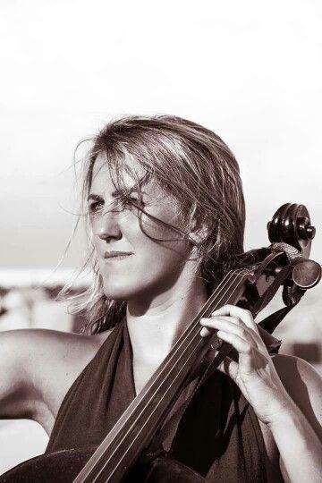 Cello, portrait, Marta Roma,
