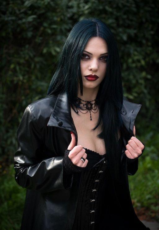 glasdildo leather bondage
