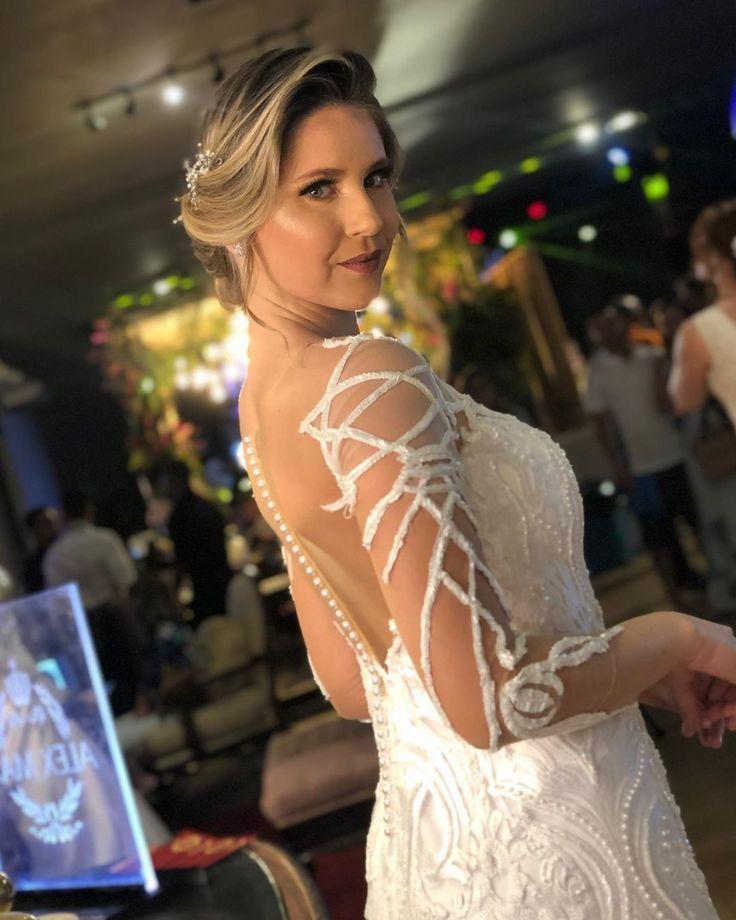 #brides # brides2019 #marriage #bridal #dressingdivaiva