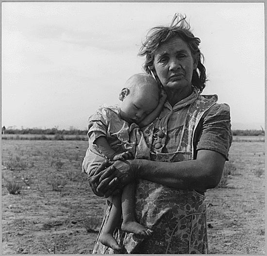 Lesson plan on Dorothea Lange's time in Chandler and the photos she took of migrant workers, car camps, and FSA housing.