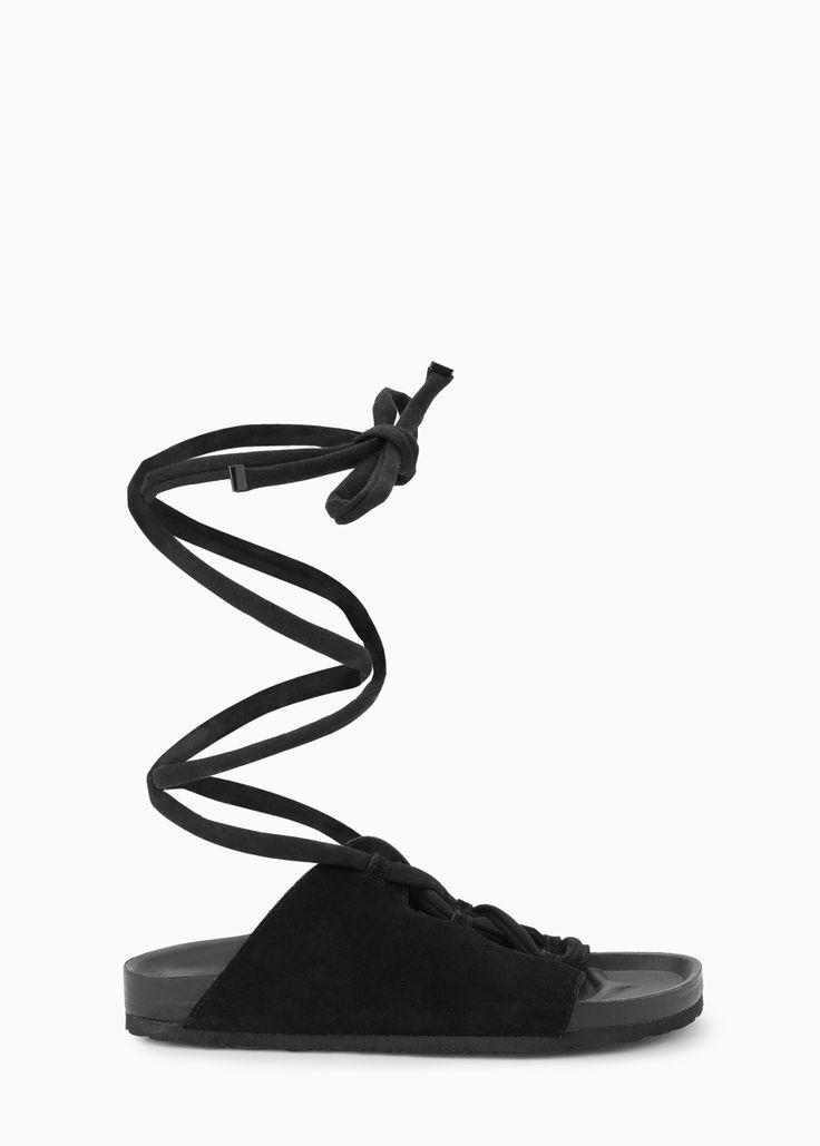 Sandalia ante cordón