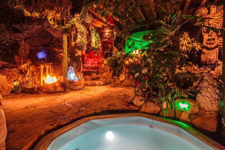 Regardez ce logement incroyable sur Airbnb : Pirates of the Caribbean Getaway - Cabanes à louer à Topanga