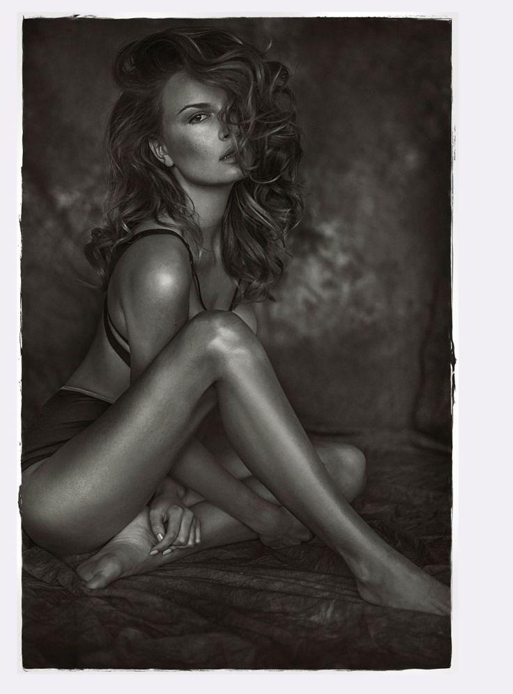 #photoshoot #kerastase #lookbook #hair #hairdresser #photography #blackandwhite #photographer #body #black #sexy #girl #women #stylish #elegant #classy #perfect #hair #makeup #beauty #model #polaroid #modellife #magdalenamichalak #sexy #girl #model #body