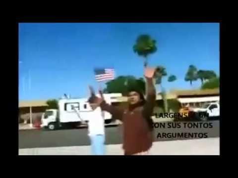Indio nativo americano interrumpe una manifestación anti inmigrantes