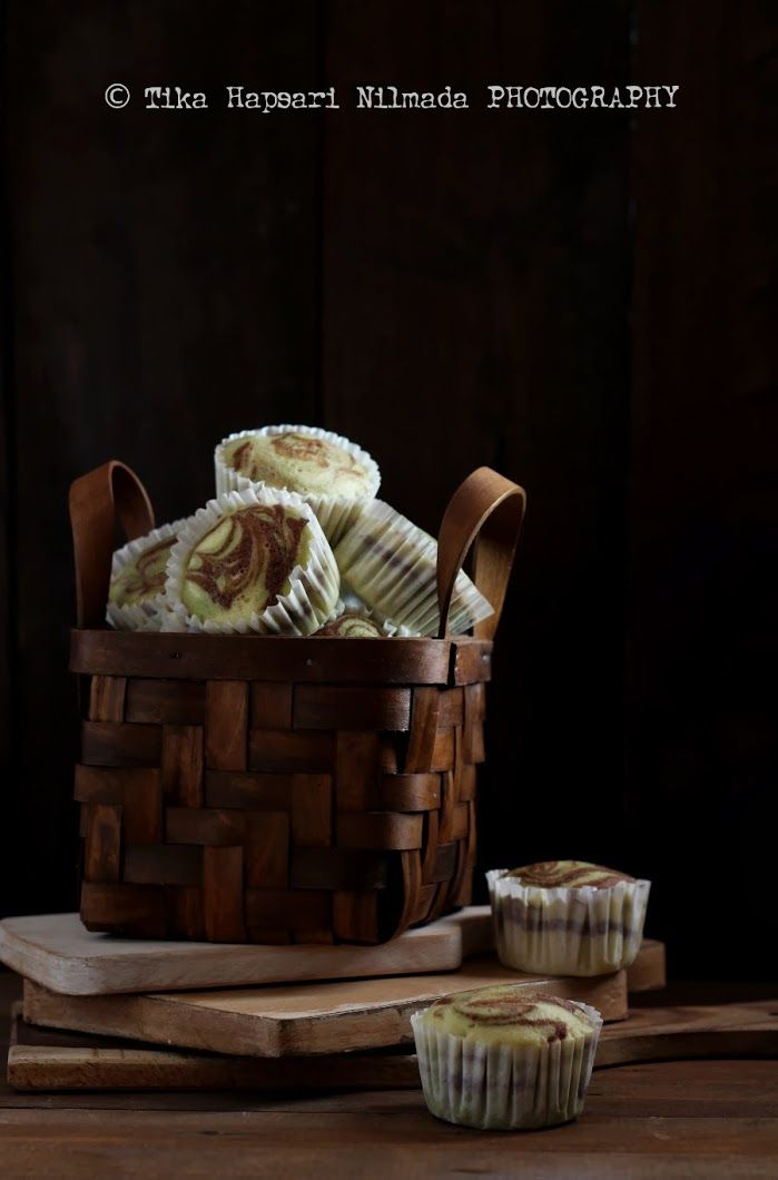 Chocolate and matcha steamed cupcakes by Tika Hapsari Nilmada