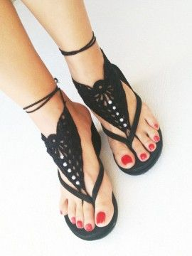 Black Cut Out Crochet Toe Ring Barefoot Sandals ==