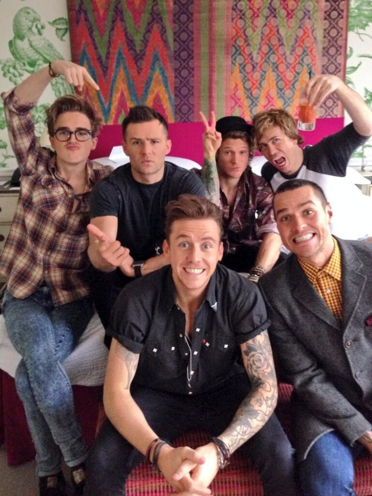 """""""McFly + Busted = McBusted!"""" Thomas... what is that pose?? << James tho lmao"""
