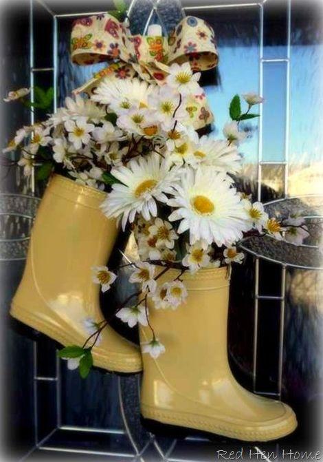 corona alternativi porta d'ingresso decorazione - stivali da pioggia pieni di fiori dal rosso casa gallina