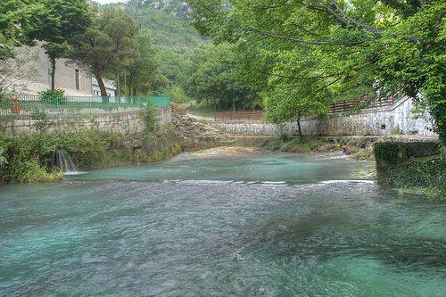Sorgente del Fiume verde ll Verde, che immette le sue acque nel Sangro nel territorio del comune di Borrello, in provincia di Chieti,- Cerca con Google