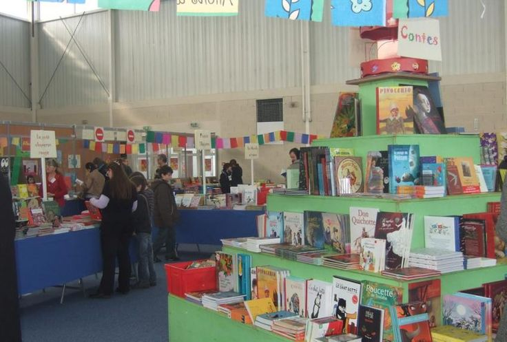 Saint-Orens-de-Gameville. Anniversaire du festival du livre de jeunesse : j'ai dix ans - 2011 - Comme l'année dernière, le Festival du livre de jeunesse s'ouvre aux multiples aspects de la littérature. Photo DDM, Marie-Agnès Dupain