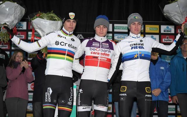 Superprestige: Mathieu van der Poel, intouchable, remporte également la 4e manche à Gavere, Van Aert 2e -                  Mathieu van der Poel (Beobank-Corendon) a remporté dimanche à Gavere la quatrième manche du Superprestige de cyclo-cross. Déjà vainqueur des trois premières épreuves, le Néerlandais s'est imposé avec une avance confortable sur ses plus proches concurrents.  http://si.rosselcdn.net/site