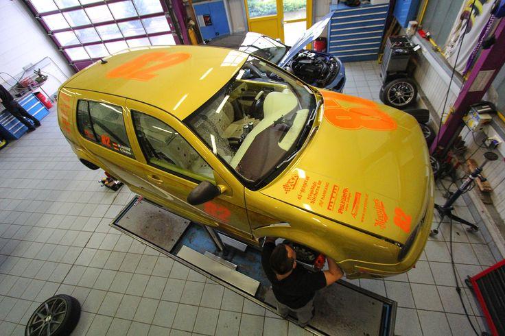 VW Golf Projekt Leo goes Racing  http://www.autotuning.de/vw-golf-projekt-leo-goes-racing/ Clubsportfahrwerk, KW automotive, Projekt Leo, VW Airride, VW Golf, VW Sportfahrwerk, VW Tuning News