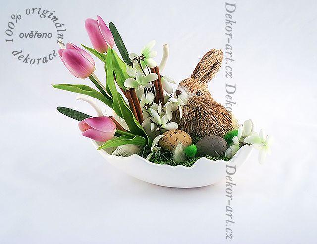 #Velikonoční #dekorace v originální misce tvaru skořápky.
