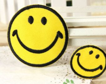 Fer à repasser sur le tissu Patches - visage souriant jaune - lot de 2 - FP54