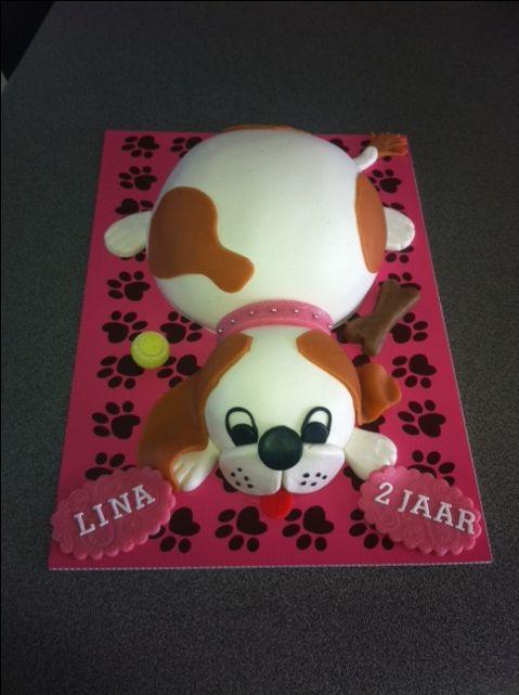 Afbeeldingsresultaat voor zoek een sweet table met  hond-taarten als thema