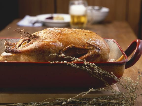 Entenbraten ist ein Rezept mit frischen Zutaten aus der Kategorie Ente. Probieren Sie dieses und weitere Rezepte von EAT SMARTER!