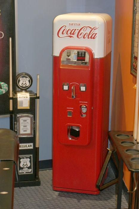 1000 id es sur le th me vending machines sur pinterest for Meubles must montreal