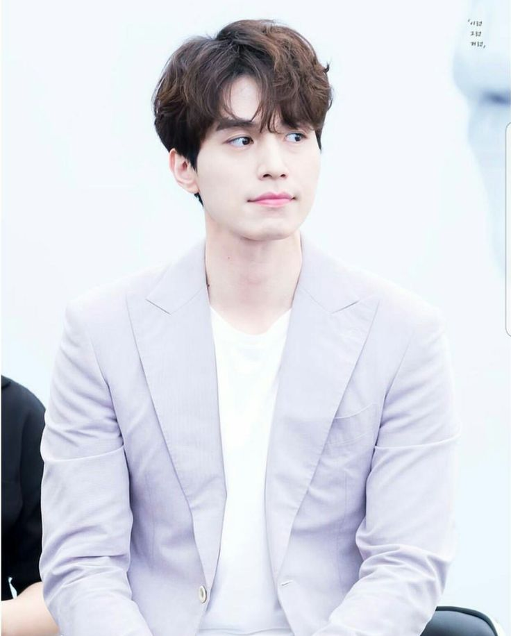 The Guardian: The Lonely and Great God (2016-17) star Lee Dong Wook