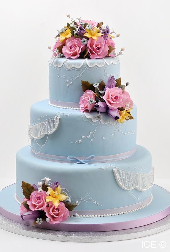 a cake from iceu0027s master cake decorator toba garrett