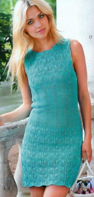 Бирюзовое платье спицами