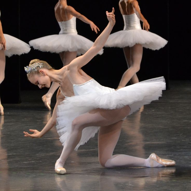 Paris Opera ballet female étoiles photo: la petite photographe