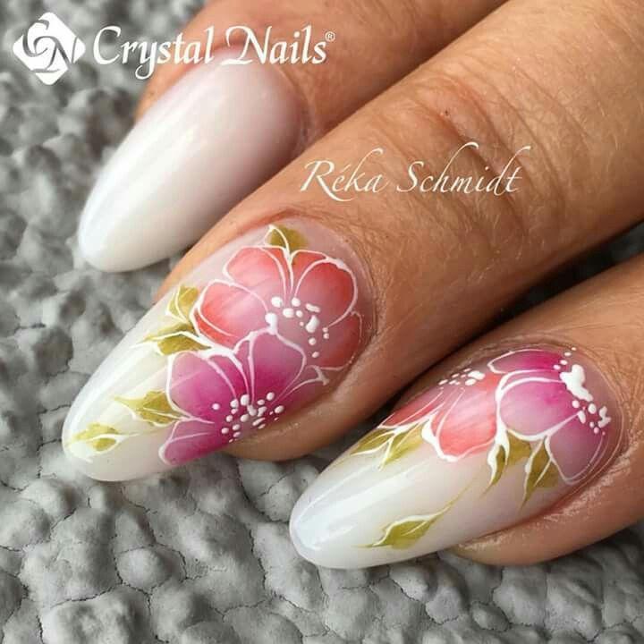 pretty nail-art Crystal Nailsby Reka Schmidt