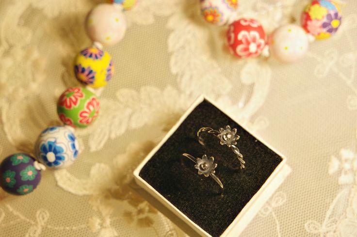 Flower Rings. Oxidised Sterling Silver.